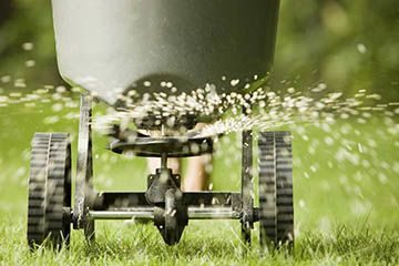 Fertilizer & Weed Control by Broedell landscaping commercial services
