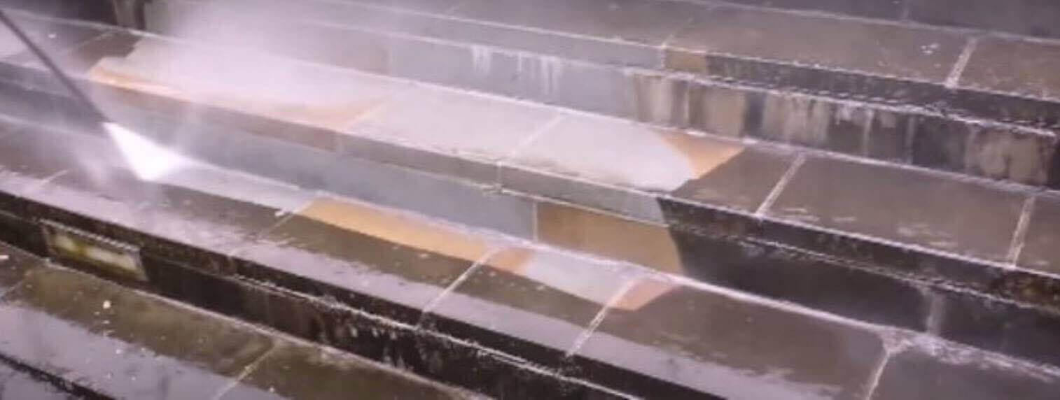 Pressure cleaning. the steps.see the great improvement with pressure cleaning.